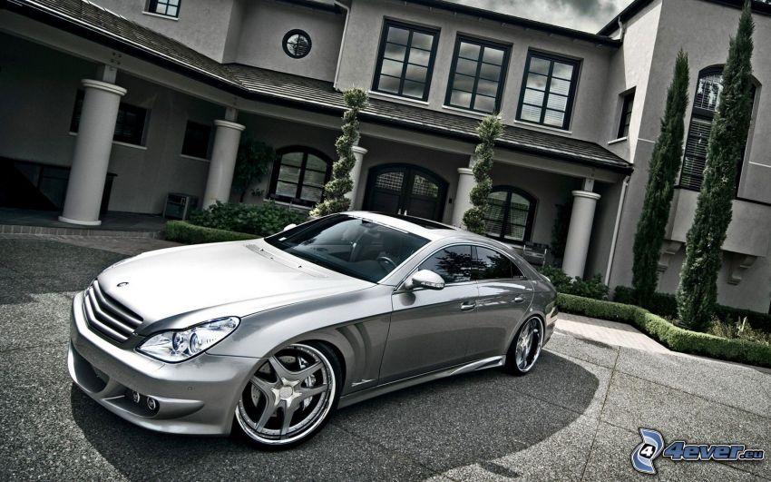 Mercedes-Benz, edificio