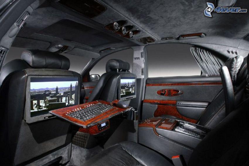 Mercedes Brabus, interno, televisione