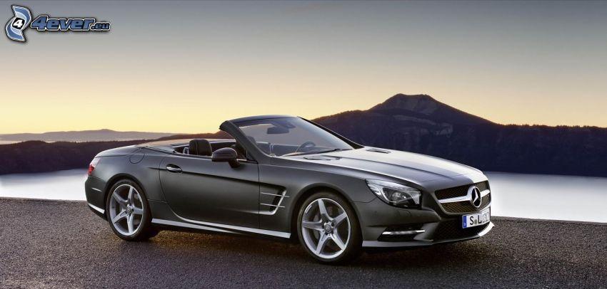 Mercedes SL, cabriolet, lago, collina