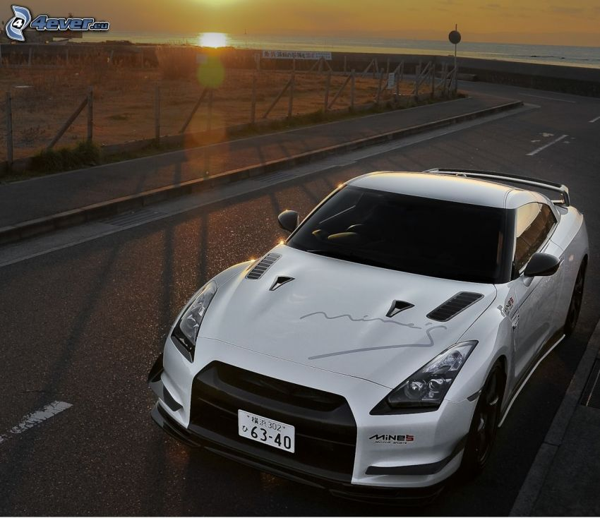 Nissan GTR-R35, strada