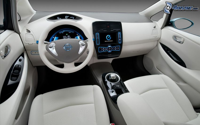 Nissan Leaf, interno, cruscotto, volante