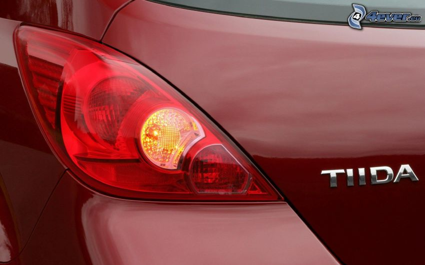 Nissan Tiida, riflettore
