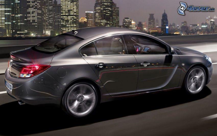 Opel Insignia, velocità, città, grattacieli