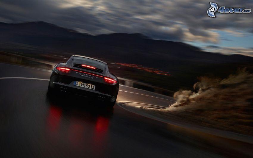 Porsche 911 Carrera, curva, montagna