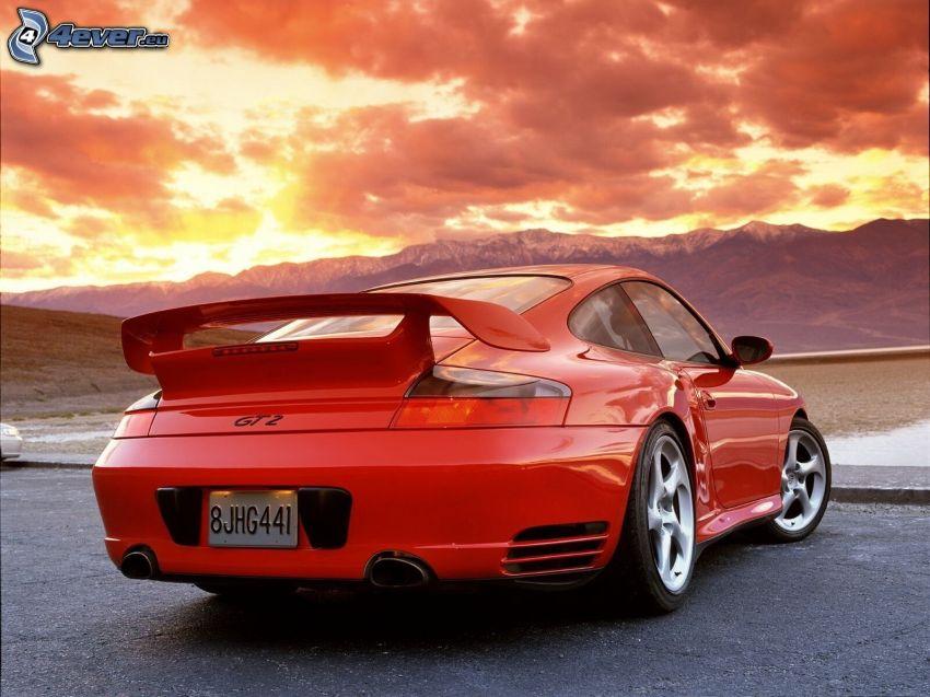 Porsche 911 GT2, montagna, nuvole arancioni