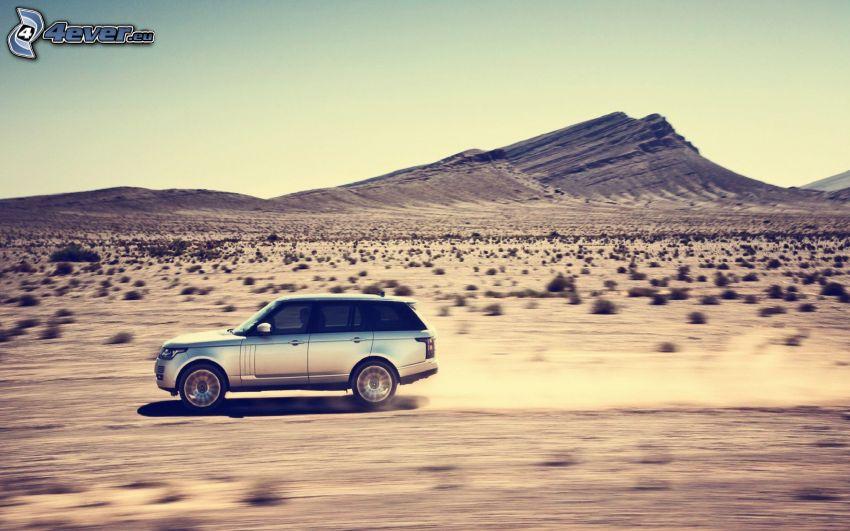 Range Rover, velocità, polvere, deserto