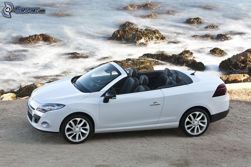 Renault Mégane, cabriolet, rocce nel mare, spiaggia
