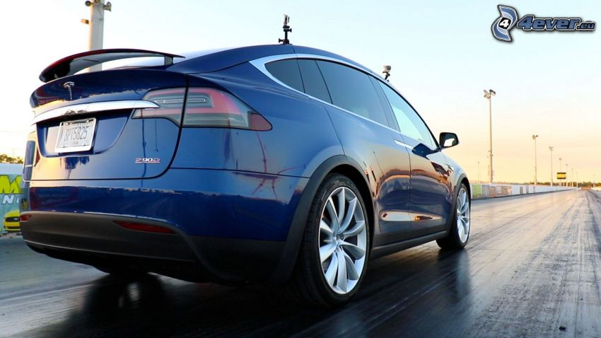 Tesla Model X P90D, strada, drag race
