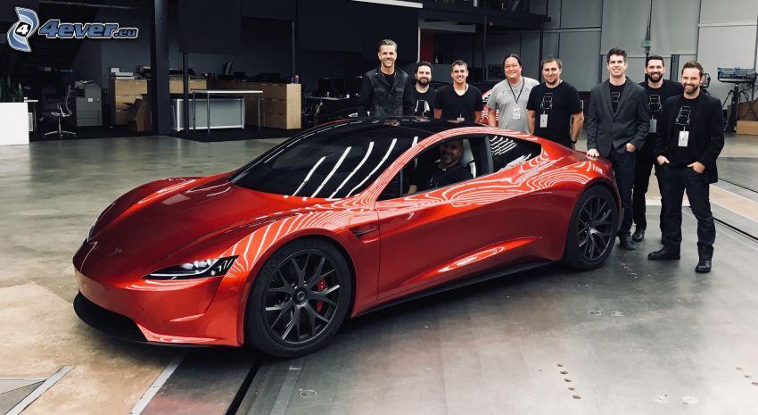 Tesla Roadster 2, gente