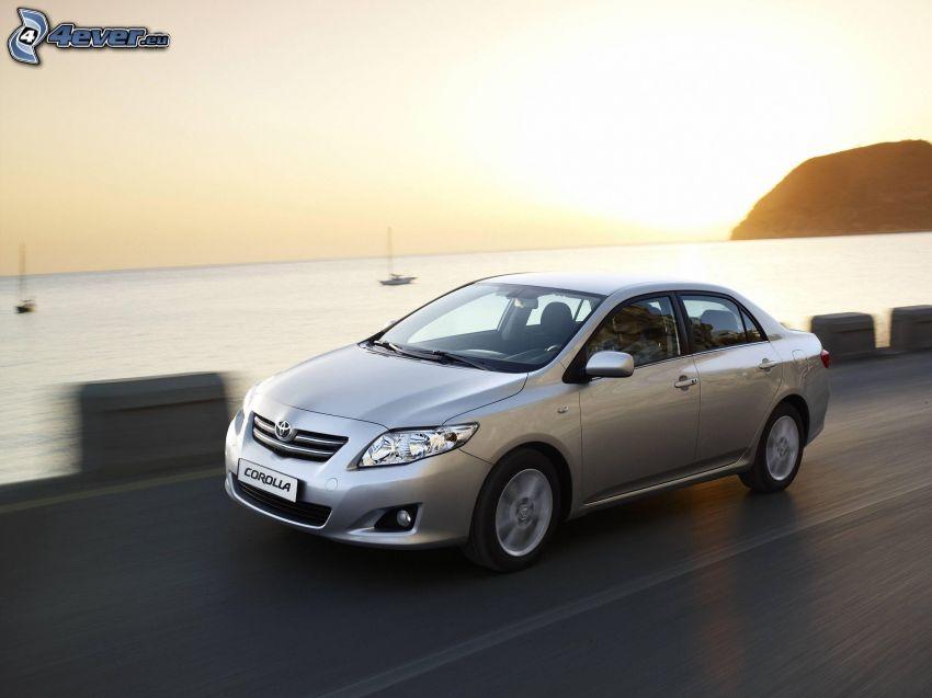 Toyota Corolla, velocità, mare