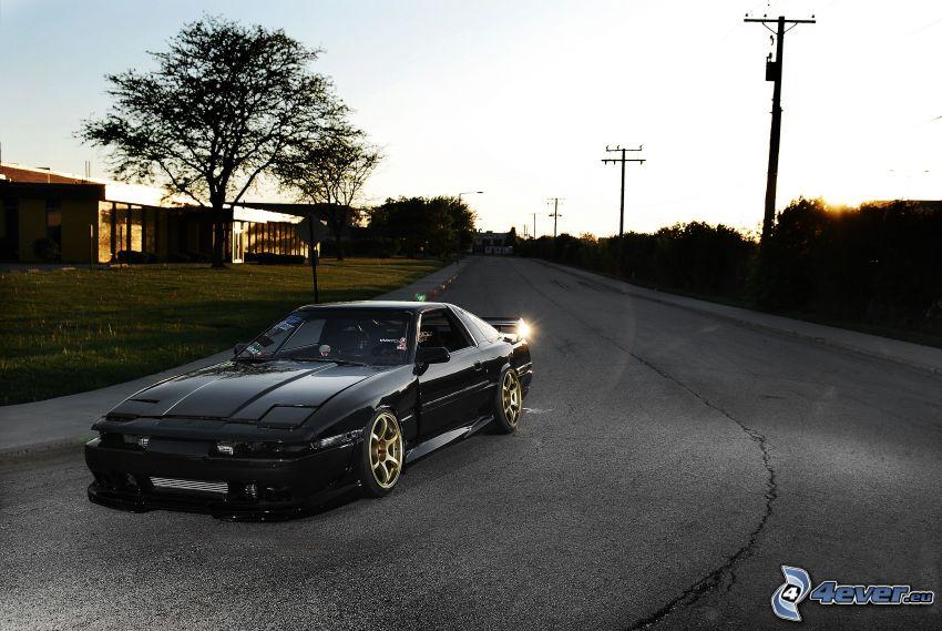 Toyota Supra, strada, elettrodotto