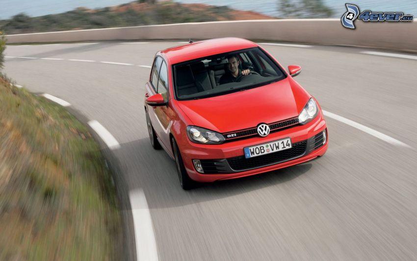 Volkswagen Golf, curva, velocità