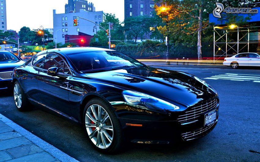 Aston Martin DBS, strada
