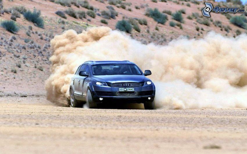Audi Q7, deserto, polvere, drifting
