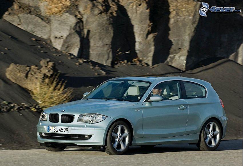 BMW 1, roccia