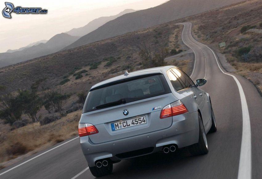 BMW M5, combi, strada, colline