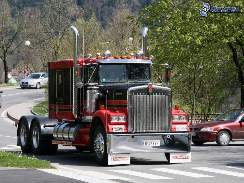 Kenworth K100, camion americano