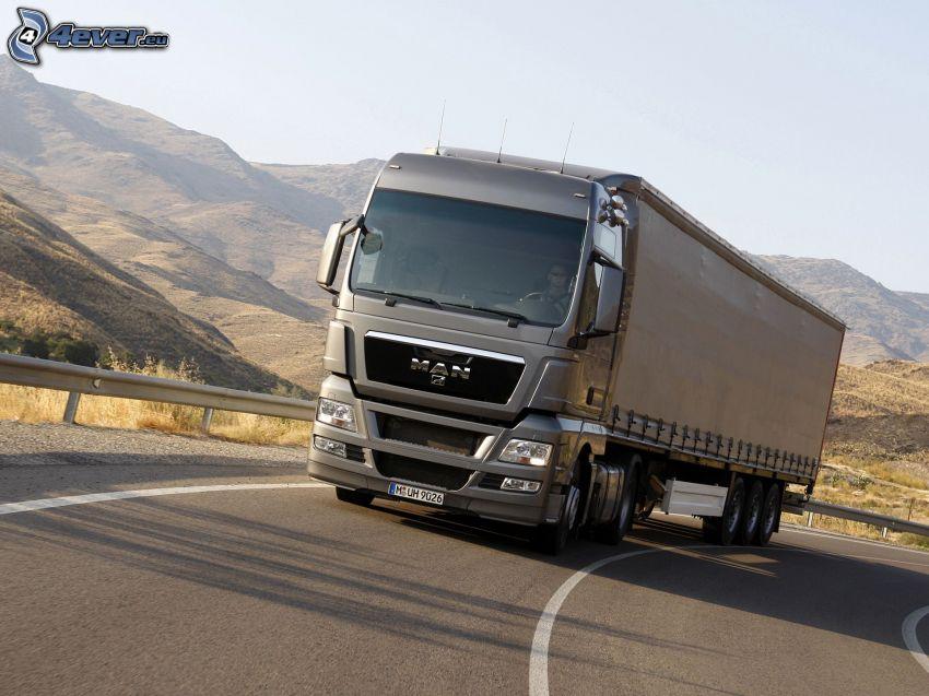 MAN, camion, strada