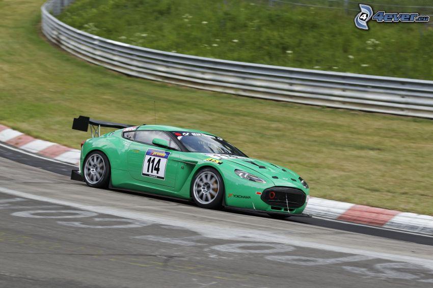 Aston Martin V12 Zagato, velocità, circuito da corsa
