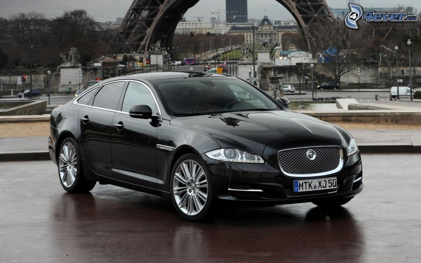 Jaguar XJ, Francia, Parigi, Torre Eiffel