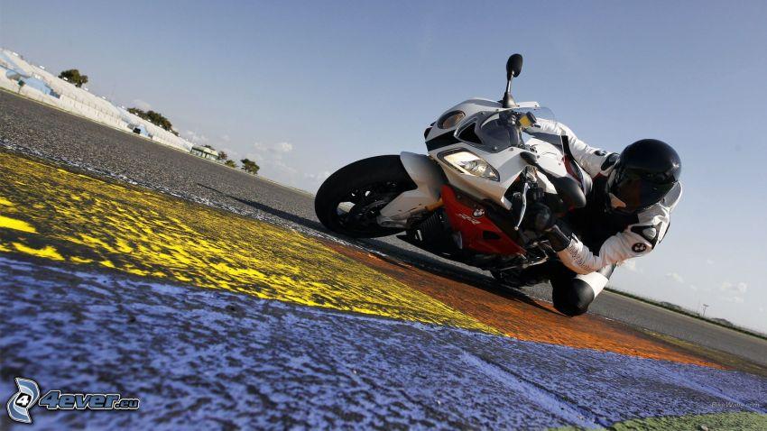 BMW S1000RR, motociclista, strada
