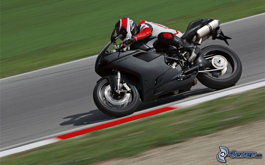 Ducati 848, velocità