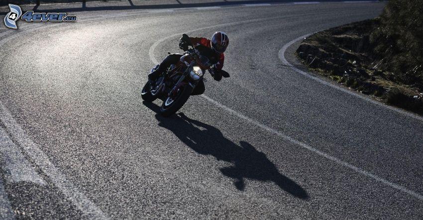 Ducati Monster 1100, motociclista, strada, curva