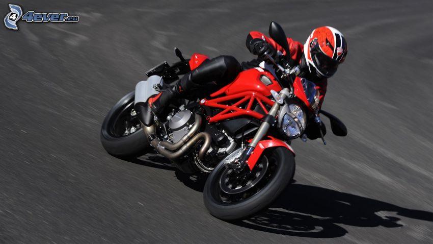 Ducati Monster 1100, motociclista, velocità