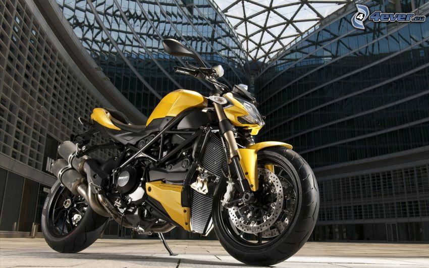 Ducati Streetfighter, edificio