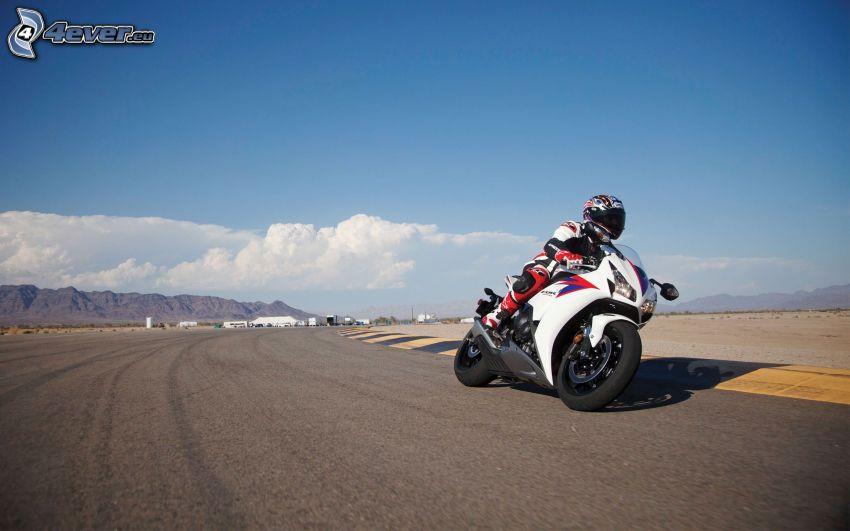Honda CBR 1000, motociclista, circuito da corsa