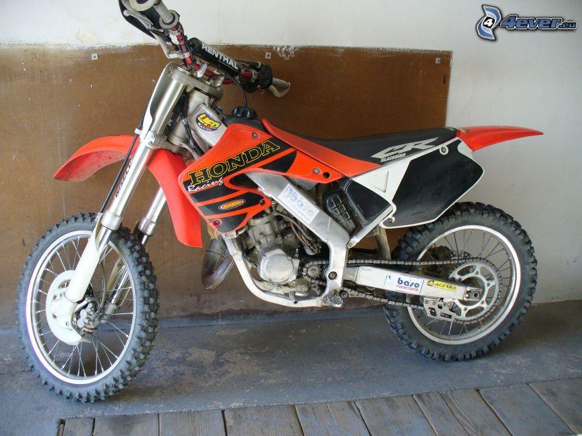 Honda CR125, motocicletta