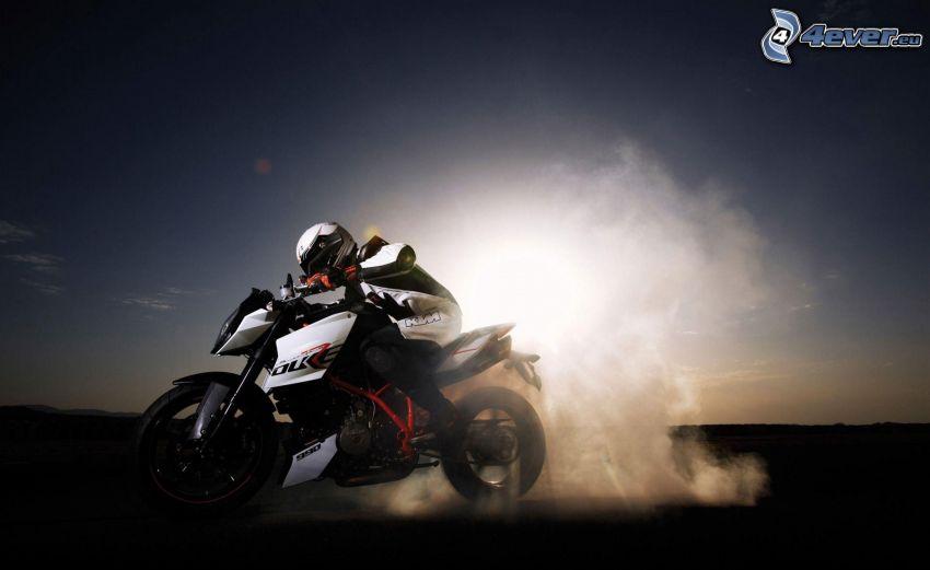 KTM 990, burnout, fumo, motociclista