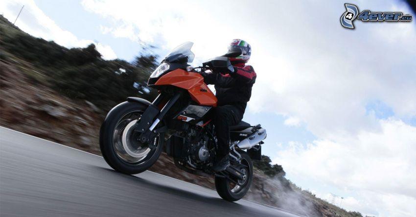 KTM 990, motociclista, velocità