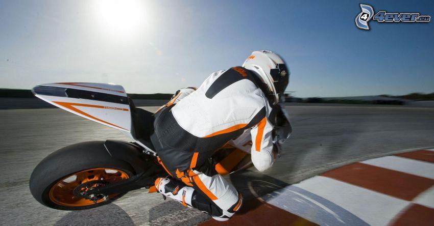 KTM RC8, motociclista, curva