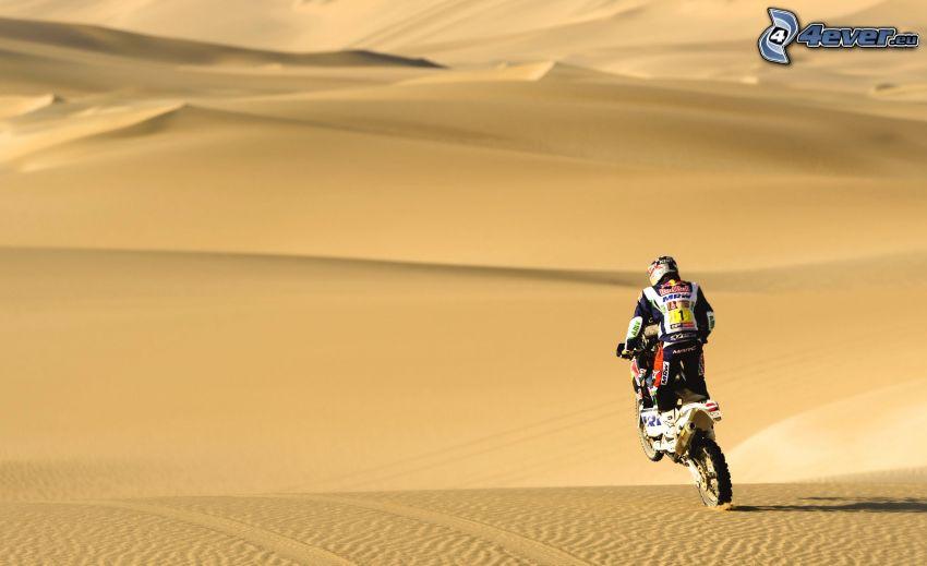 motociclista, deserto