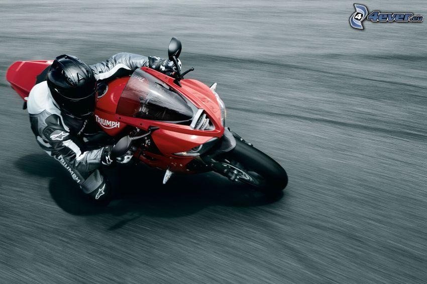Triumph Daytona 675, motociclista, velocità