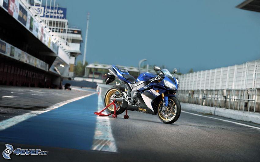 Yamaha YZF-R1, circuito da corsa