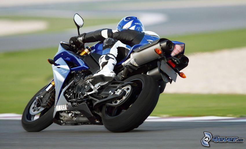 Yamaha YZF-R1, motociclista