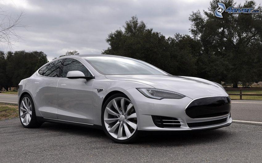 Tesla Model S, auto elettrica