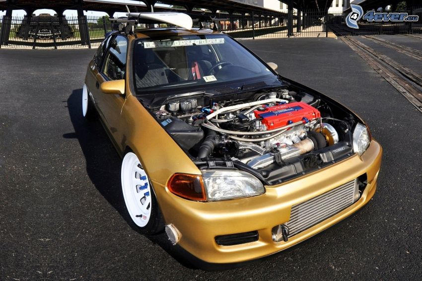 Honda Civic, motore
