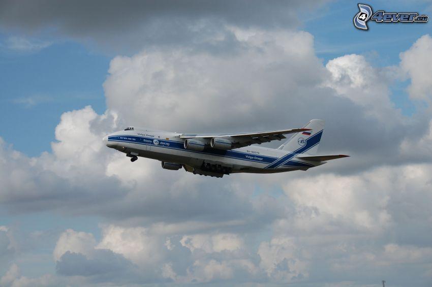 aereo, nuvole