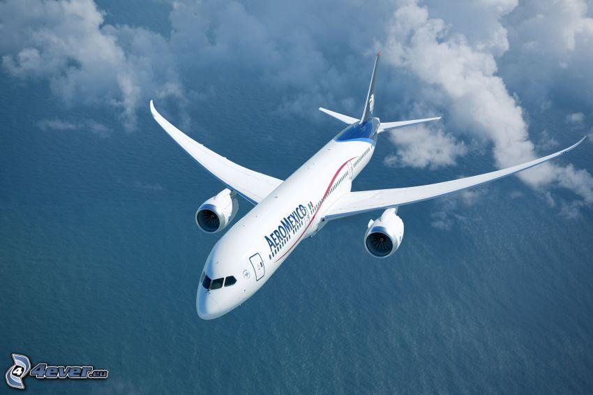 Boeing 787 Dreamliner, nuvole, mare