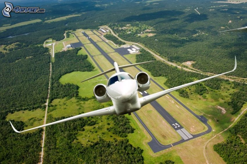 Citation X - Cessna, aeroporto, foresta