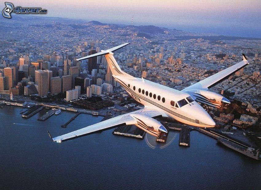 piccolo aereo sportivo, vista della città