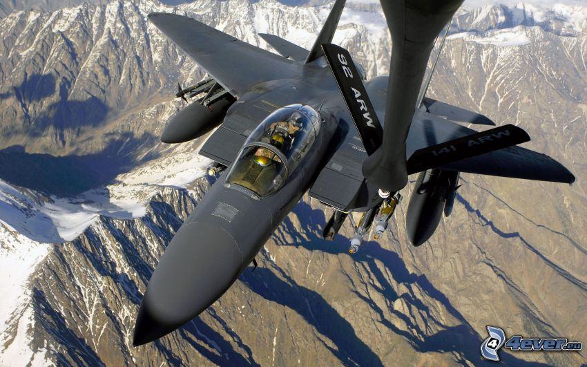 aereo da caccia, montagne innevate