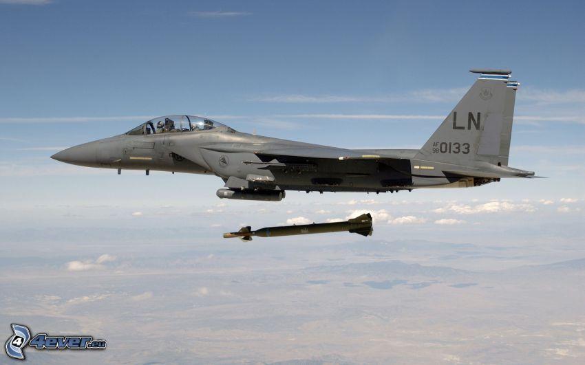 F-15 Eagle, missile