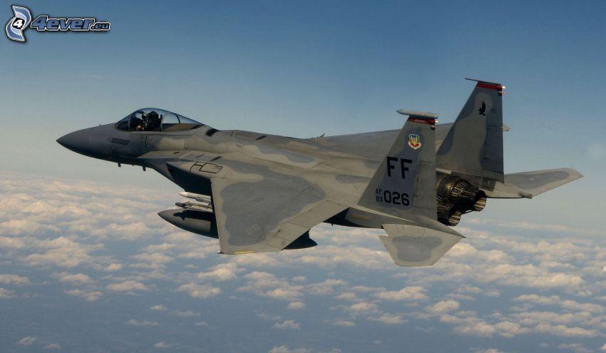 F-15 Eagle, nuvole