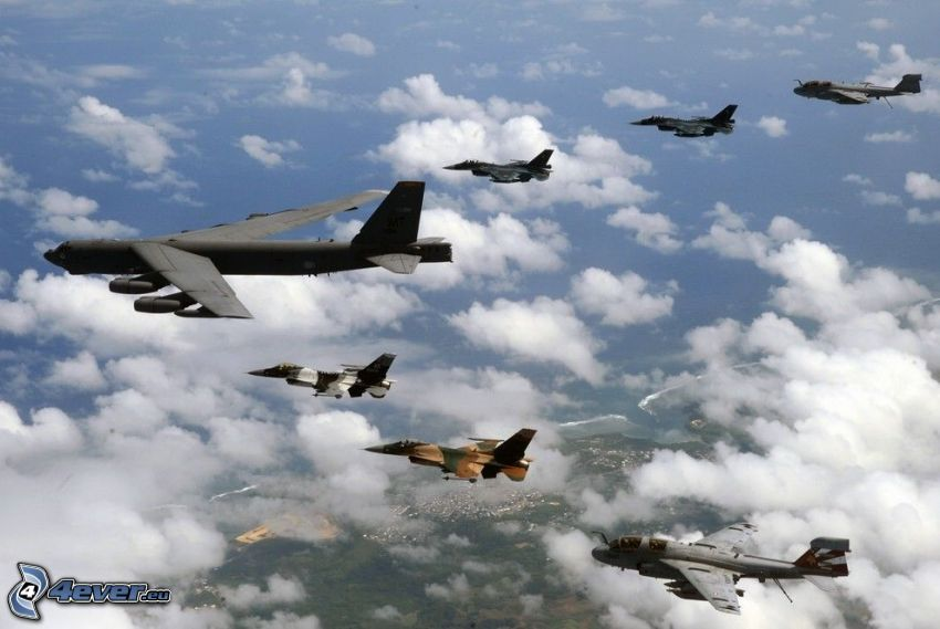 Boeing B-52 Stratofortress, aerei da caccia