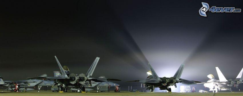 F-22 Raptor, aerei da caccia, base