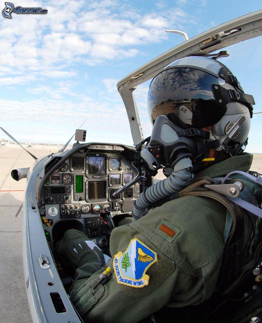 T-6A Texan II, Cabina di pilota, pilota nell' aeroplano di caccia